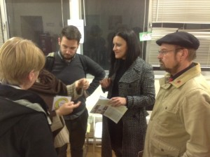 Το Σάββατο, 17/1 επισκέφθηκε το κοινωνικό ιατρείο αντιπροσωπεία της ευρωομάδας της αριστεράς (GUE) με την πρόεδρο Gabi Zimmer  και την Marisa Matias βουλεύτρια του Μπλόκο της Πορτογαλίας. Από την Αλληλεγγύη για Όλους συμμετείχε η Μυρτώ Μπολώτα που ενημέρωσε ειδικά για την τροφή.